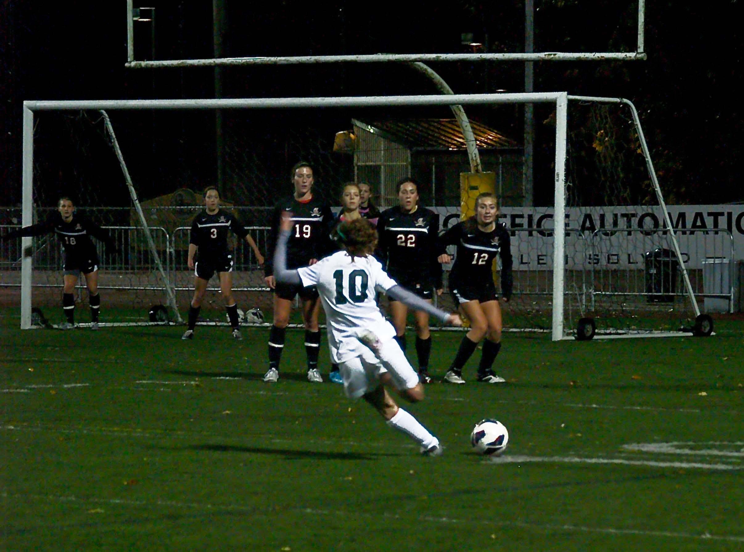 West Linn girls soccer prepare for playoffs