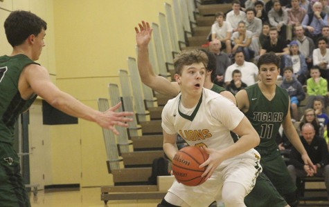 West Linn rolls past Tigard 89-45, claiming first place in Three Rivers League