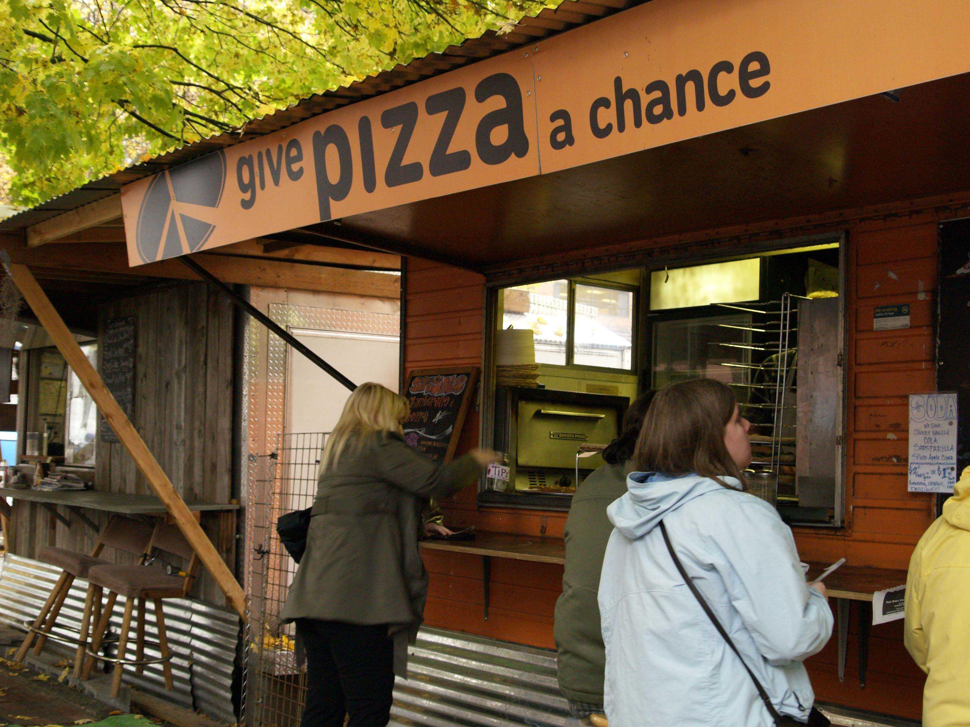 """Give Pizza a Chance"" offers students a chance at new delicious pizzas"