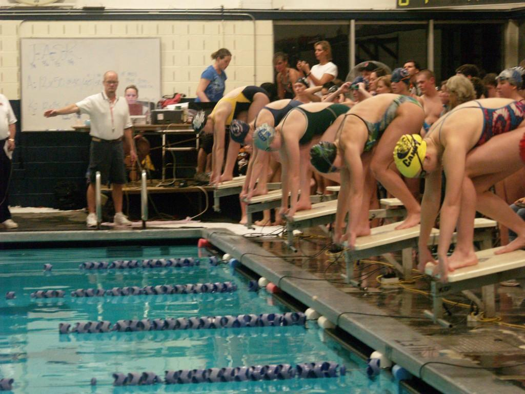 West Linn sends 13 swimmers to state competition