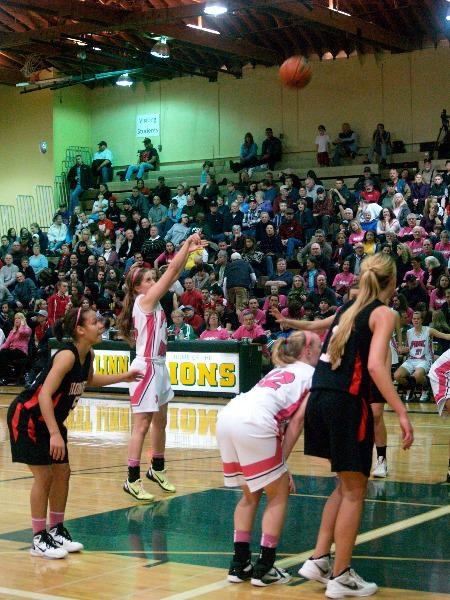 Girls basketball team prepares to battle perennial power Oregon City tonight