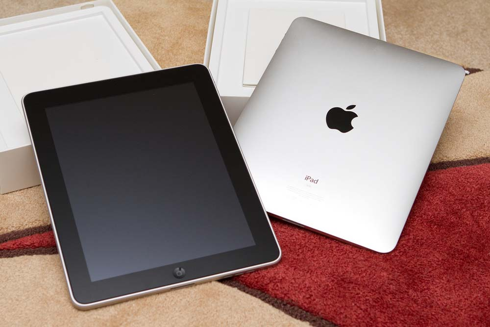 iPad 3 comes out with improvements and high expectations