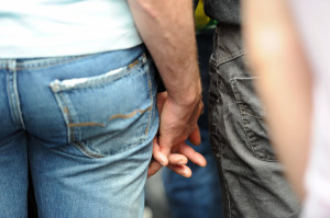 Same-sex marriage should be federally legalized