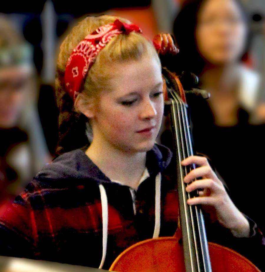 Cellist Mackenzie Ray, sophomore, plays cello with Metropolitan Youth South Symphony