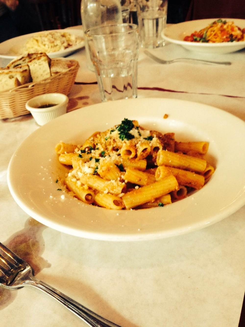 Italian restaurant delivers delectable dishes but mediocre service