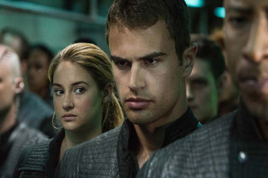 Divergent+competes+for+top+spot+box+office