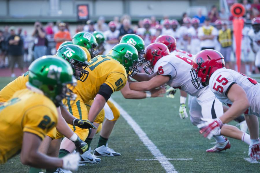West+Linn+Football+tops+Oregon+City+in+season+opener%2C+28-21