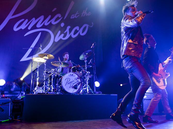 """Panic! At the Disco's"" pop punk brings energy to Portland"