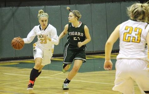 Girls Varsity Basketball Team edges Tigard, 45-35