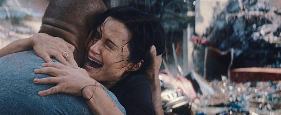 "Disaster movie, ""San Andreas,"" turns out disastrous"