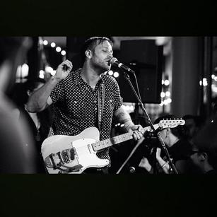 "Dan Auerbach, lead singer of new rock band ""The Arcs,"" performs from their indie blues album released on Sept. 4. The album generated buzz due to Auerbach's involvement in other alternative band ""The Black Keys."""