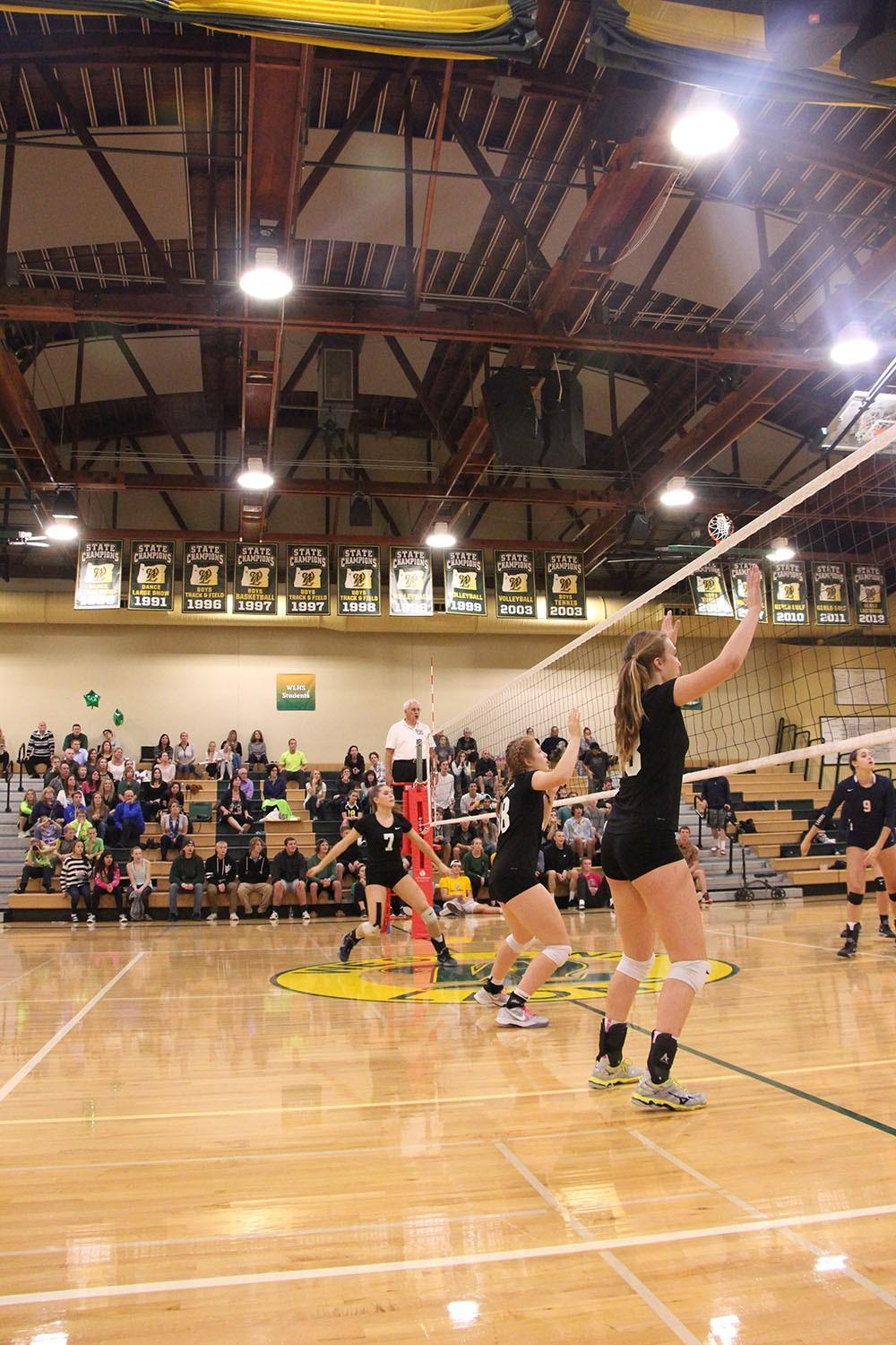 In a 3-2 set win over Lake Oswego, the Lions claimed the second overall spot in the Three Rivers League. They will face North Medford in the first round, Wednesday at 6:00 p.m.