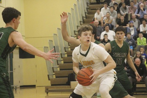 West Linn rolls past Tigard 89-45, claiming first place in Three Rivers League (20 Photos)