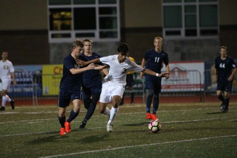 Boys soccer sinks Lake Oswego