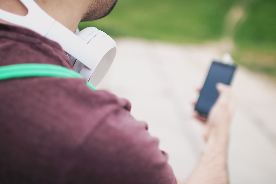 Photo from Pexels Teens listen music on their earphones and headphones for more than 2.5 hours a day, according to the New York Times. Unfortunately, this has resulted in higher statistics of hearing loss as well.