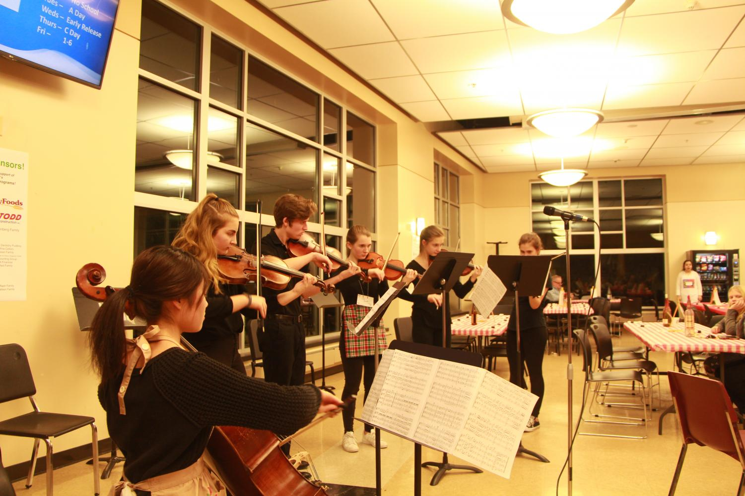 Orchestra students showed their skills as the sound of strings echoed throughout the commons.