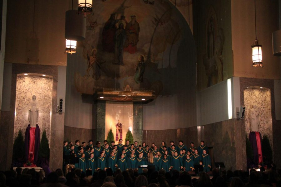 Continuing+the+long+held+tradition+of+singing+at+the+Grotto+during+their+Christmas+celebration%2C+symphonic+choir+partners+with+the+acapella+group+Fresh+Pitch+to+put+on+a+grand+performance.