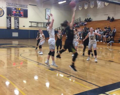 Girls basketball pulls away from Canby in fourth quarter to win 40