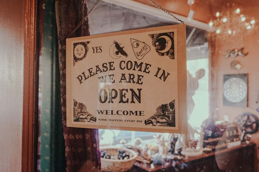 %09Its+5%3A37pm+on+a+Tuesday+and+Raven%E2%80%99s+Wing+Magical+Company+is+still+open+for+business+in+the+hazy+afternoon.+A+metaphysical+supply+store%2C+the+company+that+originated+in+Oakland+and+moved+up+to+Portland+as+they+became+more+and+more+popular+as+a+center+for+pagans+and+witches+is+full+of+welcoming+and+calm+minded+people.+Walking+in%2C+you%E2%80%99re+hit+with+a+smell+of+white+sage+and+the+sight+of+different+colored+crystals+that+represent+different+aspects+of+the+metaphysical+world.+The+owner+of+the+shop%2C+Stella+Iris%2C+a+witch+and+tarot+card+reader%2C+sits+behind+the+front+desk+with+a+cup+of+tea.+%E2%80%9CEver+since+I+was+thirteen%2C+my+Mom+practiced+witchcraft+around+the+house+and+one+day+I+just+asked+%E2%80%98Could+you+show+me+what+it+means+to+be+a+witch%3F%E2%80%99%E2%80%9D+Iris+said.