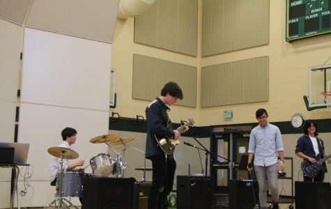"Peripheral Flow performs covers of ""Island in the Sun"" by Weezer, ""Someday"" by the Strokes and more. The band features juniors Jackson Monahan, Daniel Monahan, Matt Chao and Wilfred Lim."
