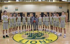 Coach Viuhkola returns to lead the West Linn Basketball Team