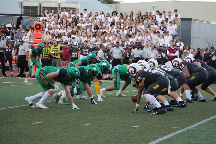 The+West+Linn+lions+during+their+first+game+against+Central+Catholic.+