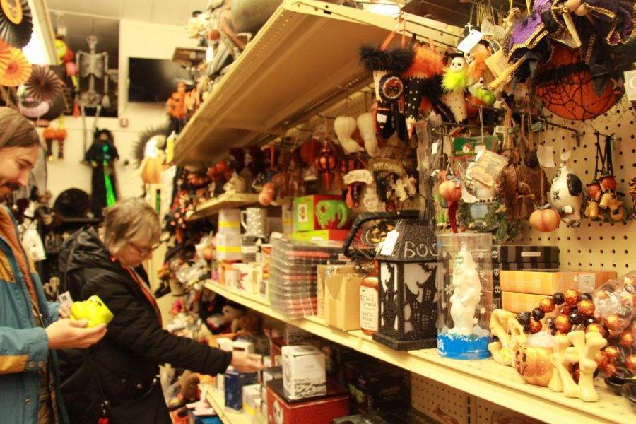 Halloween+galore%21+Walking+down+the+street+in+downtown+Oregon+City%2C+The+Odditorium+and+Curiosities+is+a+shop+that+is+sure+to+catch+your+eye.+%E2%80%9CI%E2%80%99m+a+huge+fan+of+small-town+downtown%2C%E2%80%9D+Matt+Koski%2C+animator%2C+said.+%E2%80%9CThis+store+in+particular+is+just+amazing%2C+all+the+cool+vintage+Halloween+stuff.%E2%80%9D+The+store+is+two+years+old%2C+but+operated+as+an+online+business+known+as+the+Ghoul+Gallery+for+11+years+before+that.+It+is+now+known+as+The+Odditorium+and+Curiosities%2C+Ghoul+Gallery%2C+and+Ghoulish+Gifts+and+Frightful+Decor.+All+three+names+are+used+interchangeably%2C+though+it+is+most+commonly+referred+to+as+The+Odditorium.+It+houses+one+of+the+largest+Halloween+collections+in+the+Pacific+Northwest.+%E2%80%9CIt%E2%80%99s+just+a+fun+place+to+bring+people%2C%E2%80%9D+Koski+said.+%0A