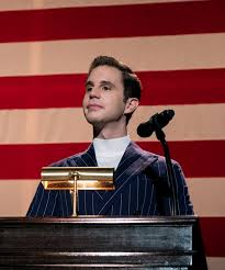 Payton Hobart, portrayed by Ben Platt, listening to questions in the presidental debate.