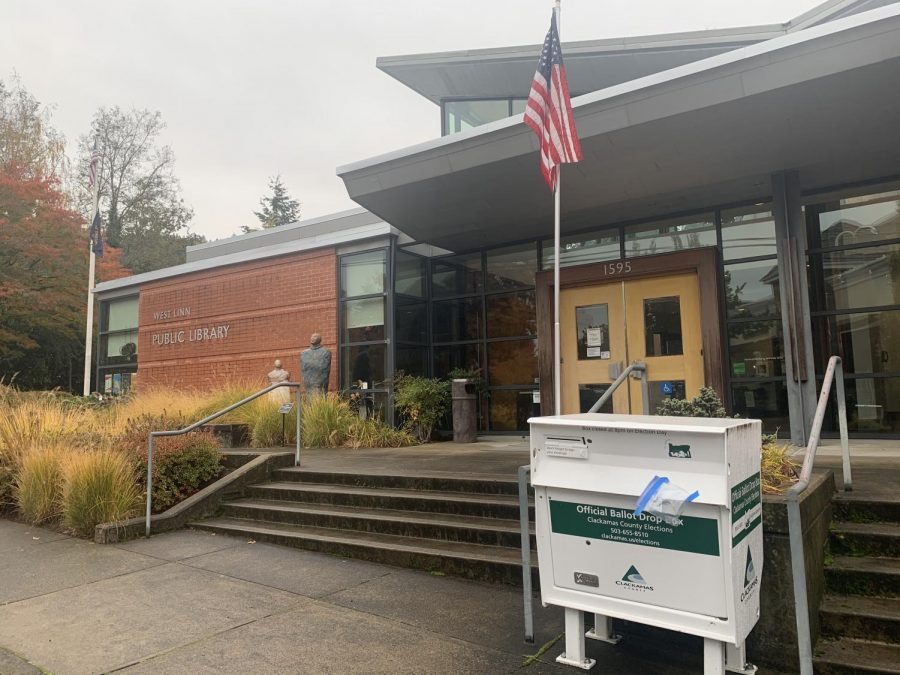 Ballot drop boxes in Oregon closed at 8 pm on Nov. 3.
